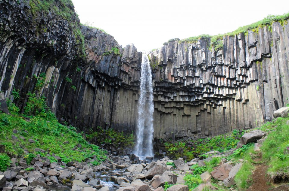 svartifoss, waterfall, skaftafell, national park, hike, iceland, when in iceland