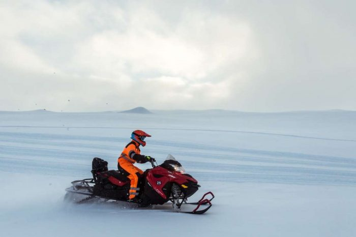 Glacier Snowmobile